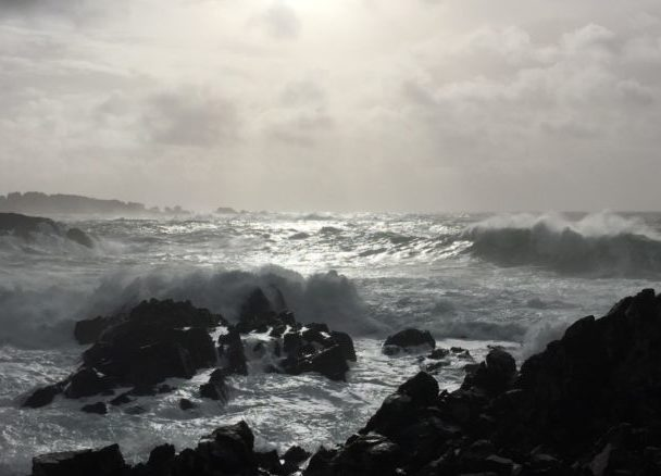 Beautiful image of the ocean in Ucluelet during stormwatching season